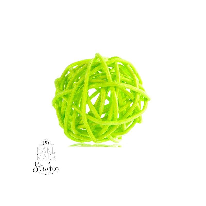 Шарик из ротанга, цвет салатовый 10 см.