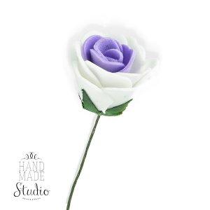Маленькая розочка с фатином, цвет бело-фиолетовых 2,5-3 см