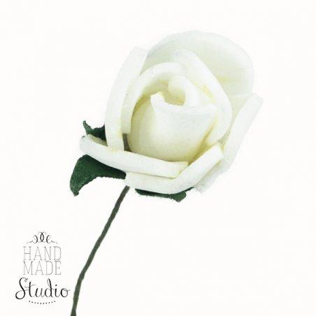 Маленькая розочка, цвет белый