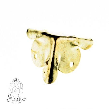 Уголок  металлический, цвет золото 1,8х1,8 см