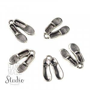 Серебряная металлическая подвеска Туфли