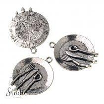 Серебряная металлическая подвеска Тарелка с приборами